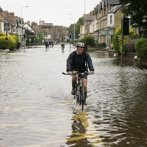 Hurricane Sandy brings East coast to a halt